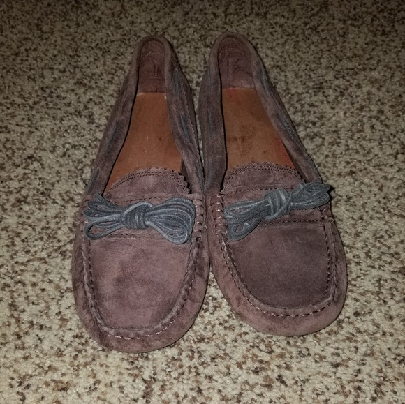 2e54be204fc Ugg Meena women's moccasin size 8